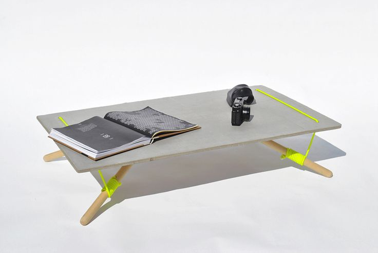 line up table by florian schulz + konstantinos pamporis