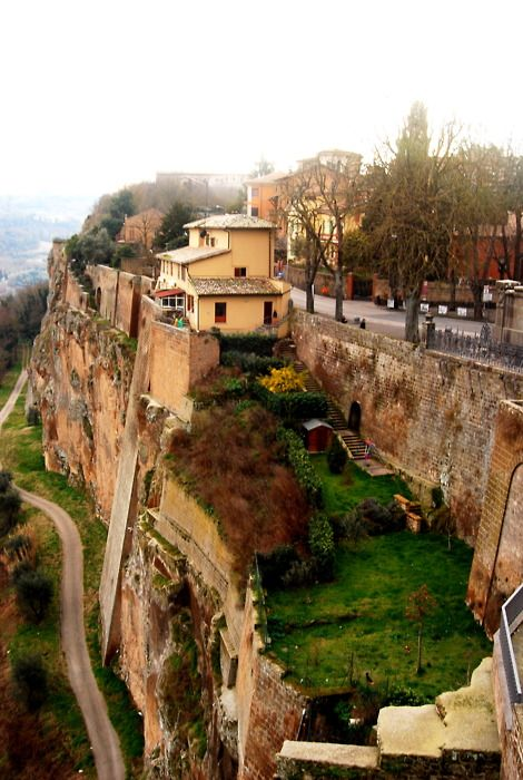Orvieto, Umbria, Italy - one of my most favorite trips! Lovely places