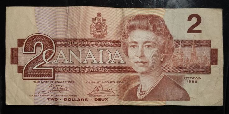 1986 Canada $2 Dollar Banknote Red Queen Elizabeth ii Cash Money Paper no rips
