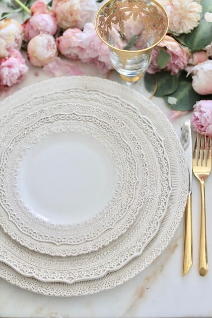 3 ideas on a dime- Romantic inspired place settings - FRENCH COUNTRY COTTAGE #romantic #valentinesday #frenchvintage