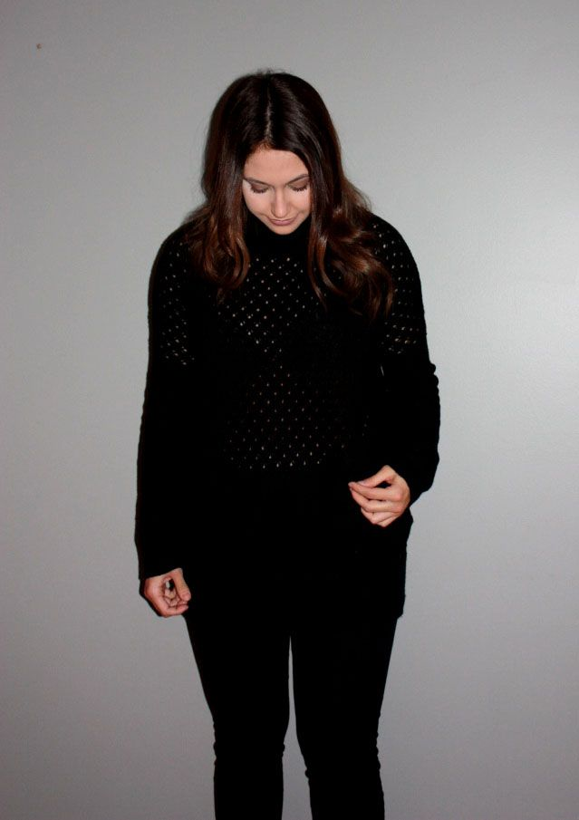 Turtle neck black sweater