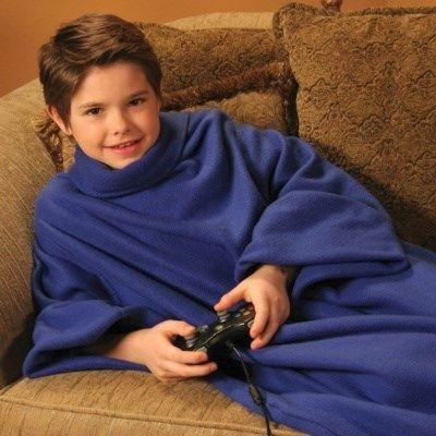 Soğumaya başlayan havalarda çocuklara alınabilecek en güzel doğum günü hediyesi.   http://www.buldumbuldum.com/hediye/cuddle_blanket_for_kids_cocuklar_icin_giyilebilir_kollu_battaniye/