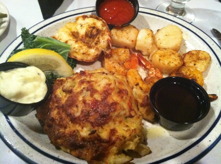 Jumbo lump crab cake in Maryland at Timbuktu restaurant