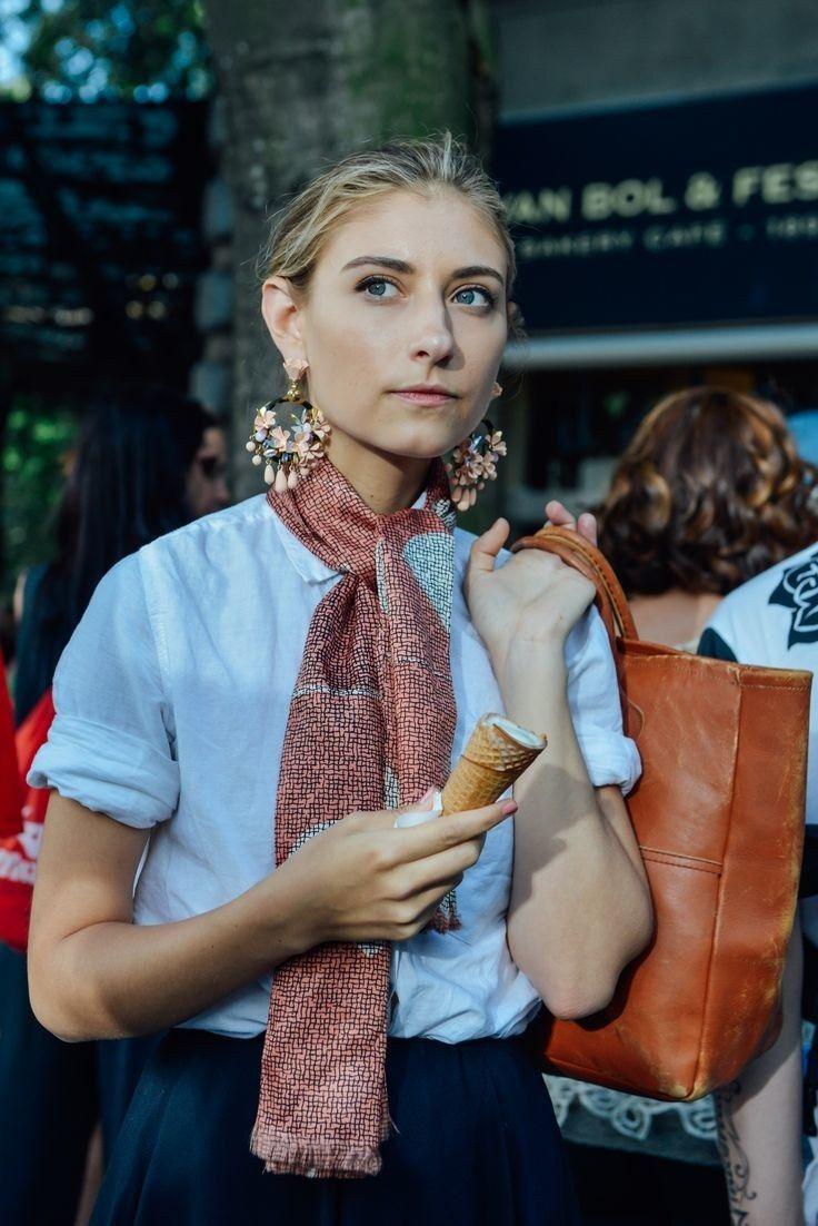 Jenny Walton wears J.Crew earrings.