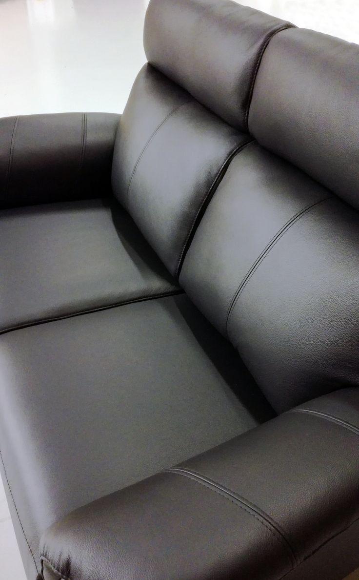 💖 Sofa of the Day 💖 Malli / Model: Pasadena Nahka / Leather: Labrador 06  #pohjanmaan #pohjanmaankaluste  #picoftheday #instapic #furnituremaker #furnituredecor