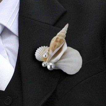Boutonniere conchiglia, fiore all'occhiello per lo sposo