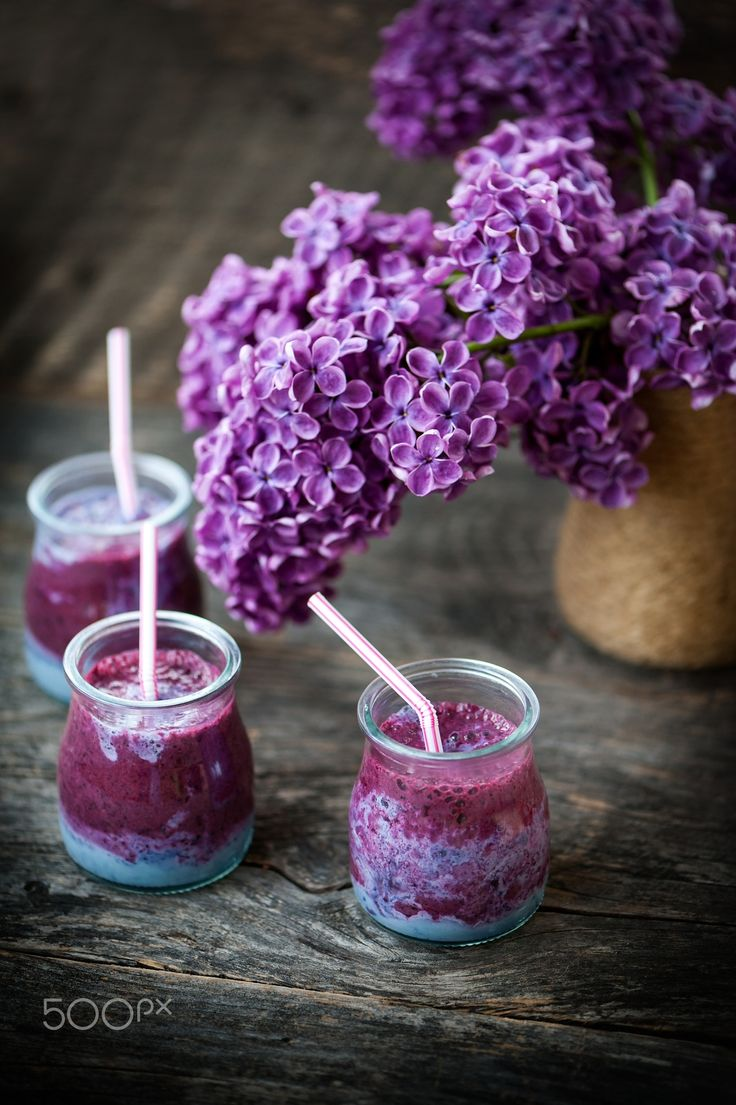 Lilac smoothie - Lilac smoothie with with banana and blackberries