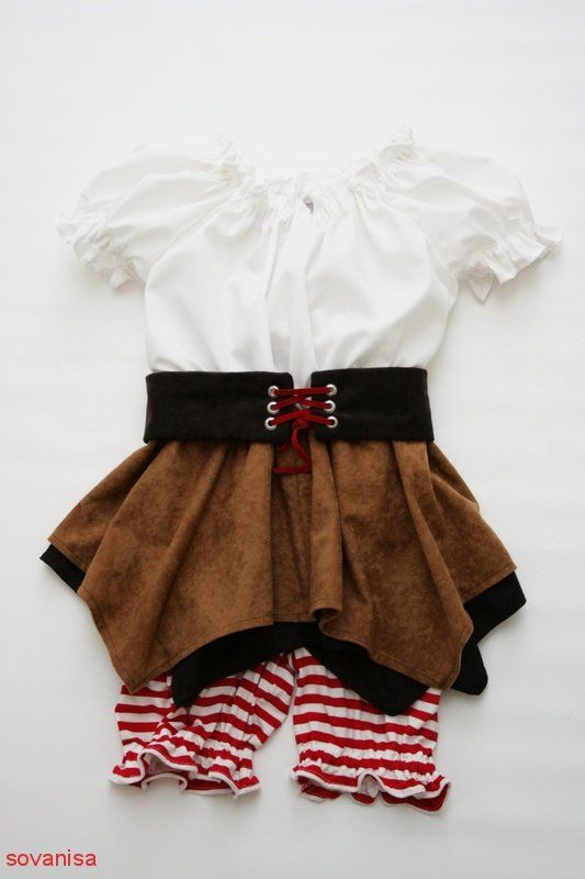sovanisa:sew pirate costume