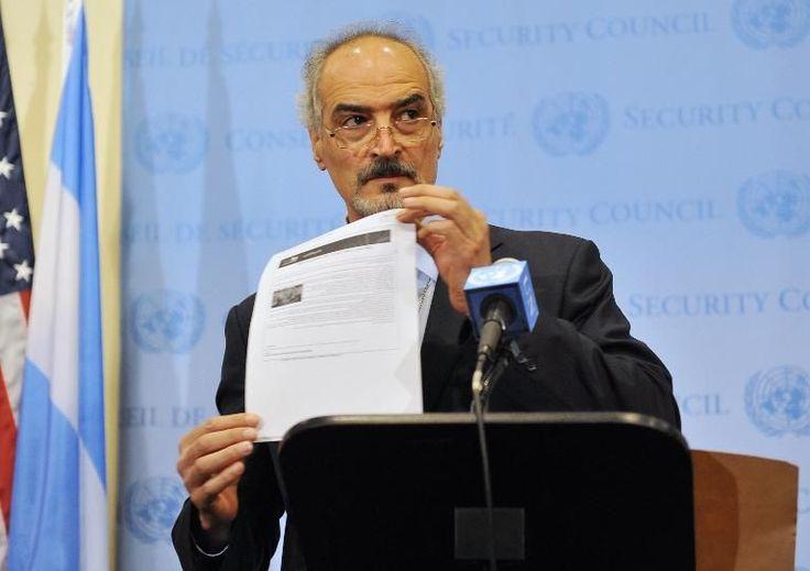 13.09.13 / Syrie : reprise des discussions américano-russes à Genève / Alors que l'ONU a reçu de la Syrie une demande d'adhésion à la convention sur les armes chimiques, un rapport impute à Damas un nouveau massacre / L'ambassadeur syrien à l'ONU Bachar Jaafari fait une déclaration aux médias sur l'arsenal chimique de son pays, le 12 septembre 2013 à Genève (Photo Stan Honda. AFP)