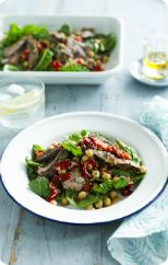 Seared lamb with roast capsicum and chickpea salad