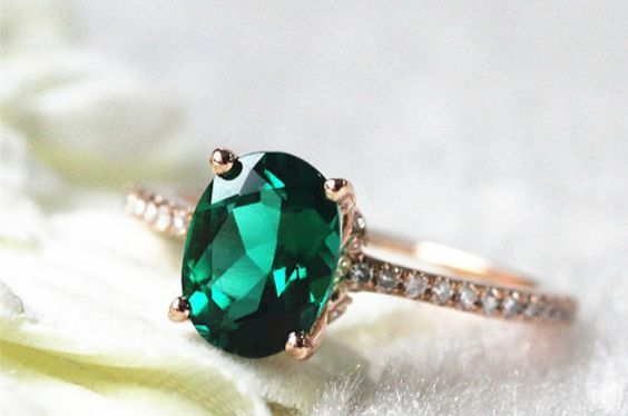 24 Gorgeous Emerald Engagement Rings for the Alternative Bride via Brit Co.