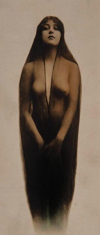Josie Earp.