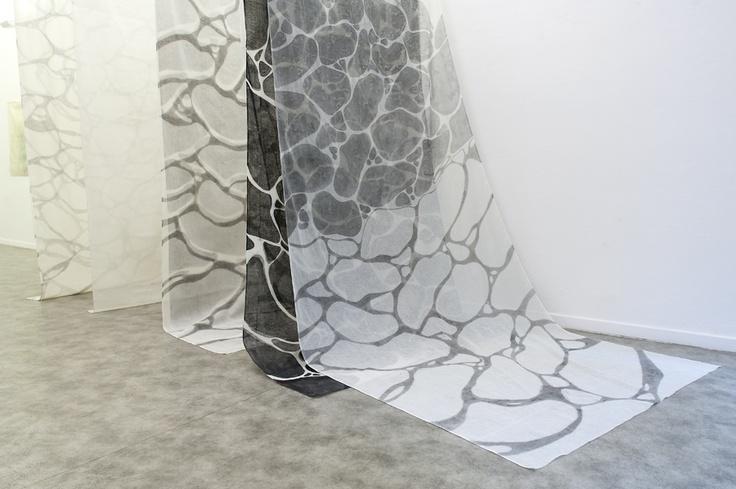 The Japanese artist based in Bologna Hishiki Asako exhibition in Milano at the Paraventi Giapponesi - Galleria Nobili. Photo Flavio Gallozzi - All rights reserved. 写真 (shashin) in love
