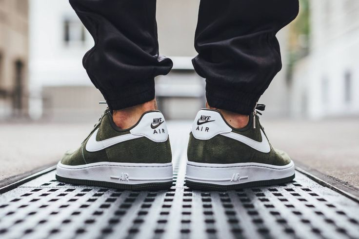 "Nike Air Force 1 Low ""Cargo Khaki"" olive green"