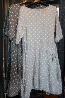 ❤ linnen jurken met stippen