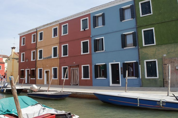 The colorful island of Burano is a must stop in Venice as it is so unique and great for pictures!  A top destination when in the area! Click to join us there. ouritalianjourney.com