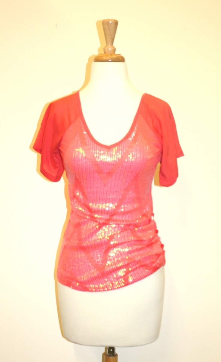 A sparkly #pink tee!