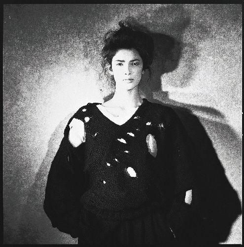 写真:コムデギャルソン(1982年の作品、ピーター・リンドバーグ氏撮影)                                                                                                                                                                                 もっと見る