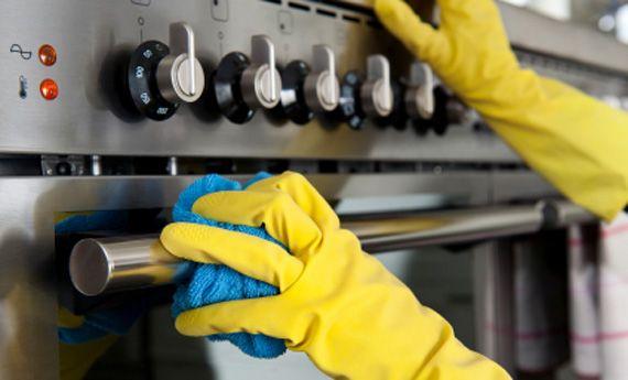 Come pulire il forno in modo naturale: 4 rimedi semplici ed economici | Case da incubo