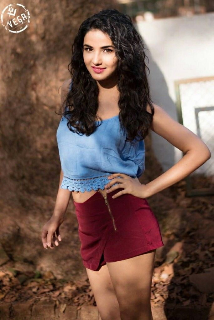 Hot Jasmin Bhasin