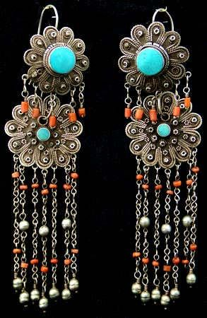 Afghanistan | Antique pair of earrings | Silver, coral and turquoise | ca. early to mid 20th century.