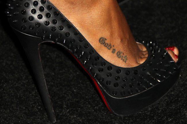 Kelly Rowland's tattoo – Henrietta Nagy