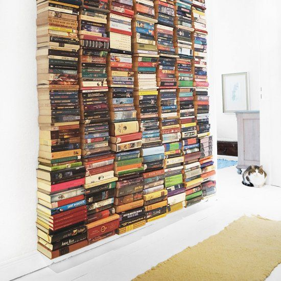 Forget book shelves. Make a floating book wall! (English and German)