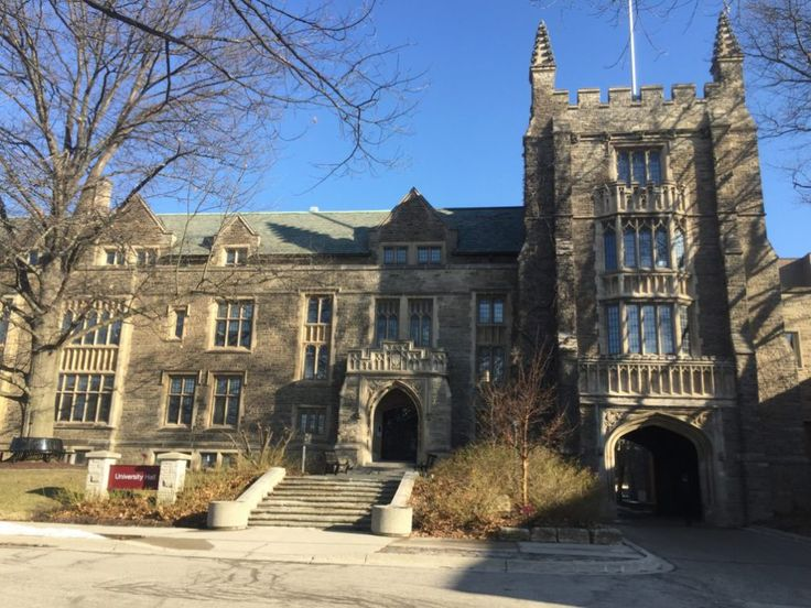 First year of post secondary is pretty frightening, even right from the beginning when you haven't even started classes and are just applying for them. So here is a list of 20 things no one tells you about freshmen year at McMaster University from the...