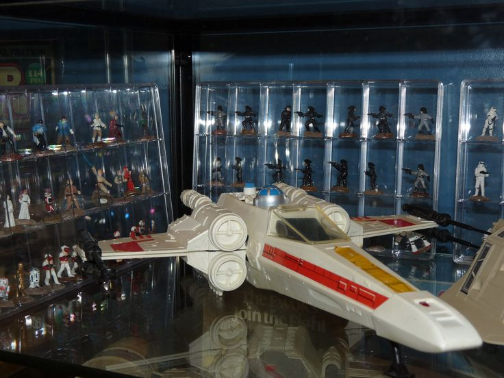 https://flic.kr/p/LxC9SF | Vintage Kenner Star Wars X-Wing with West End Games Star Wars Miniatures