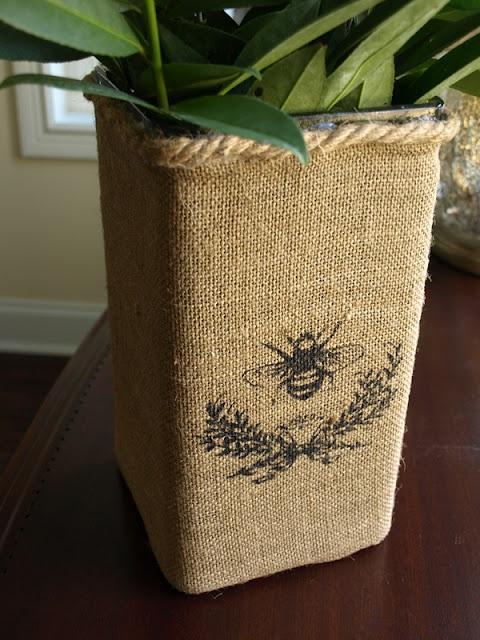 flower basket: Glasses Vase, Burlap Flowers, Less Than Perfect Life, Make Friends, Flowers Baskets, Burlap Beautiful, Burlap Covers, Covers Vase, Burlap Vase
