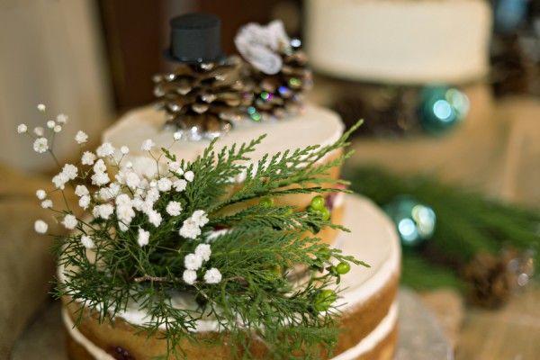 Rustic Barn Wedding Cake |  Brandon & Alison's Winter Barn Wedding | http://www.weddingfavorsunlimited.com/bridal_blog/2015/01/14/brandon-alisons-winter-barn-wedding/