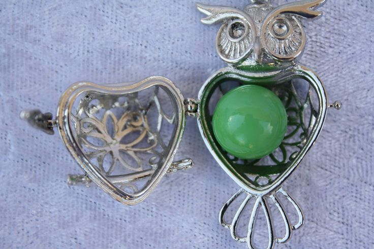 Ketten kurz - Kette Eule Engelrufer Klangkugel silber grün  - ein Designerstück von trixies-zauberhafte-Welten bei DaWanda