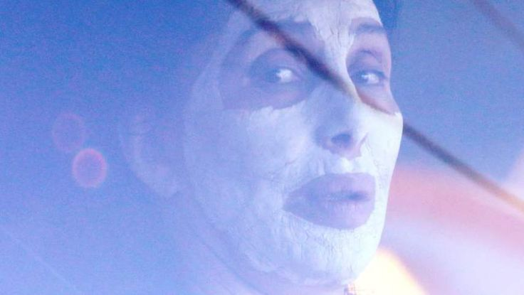 Chers skönhetsknep: Bära ansiktsmask