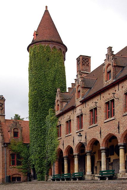 Gruuthuse Museum. The Gruuthuse Museum in Bruges. Here, as in all of the other museums in town, no photography is allowed.