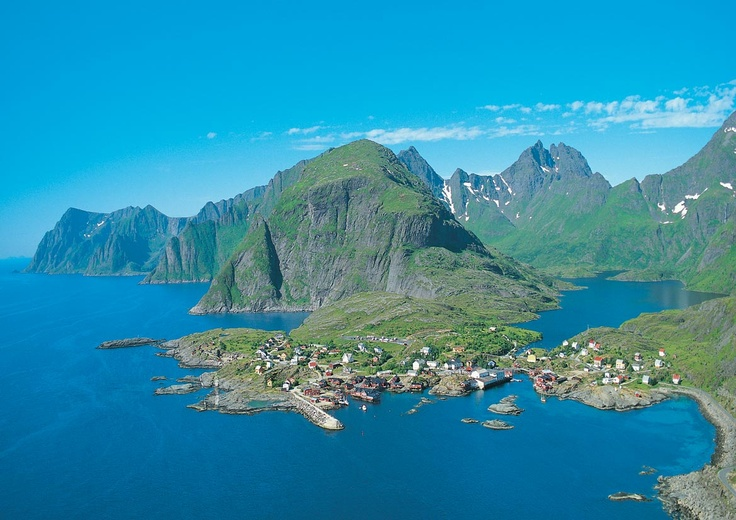 Positive Interiors is working on a project with company Å i Lofoten AB using thermo treated ash flooring on the beautiful Lofoten archipelgo which lies withing the Artic Cirle off the northern coast of Norway.