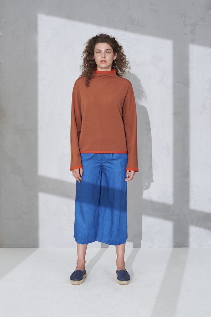 High neck sweater and cropped pants
