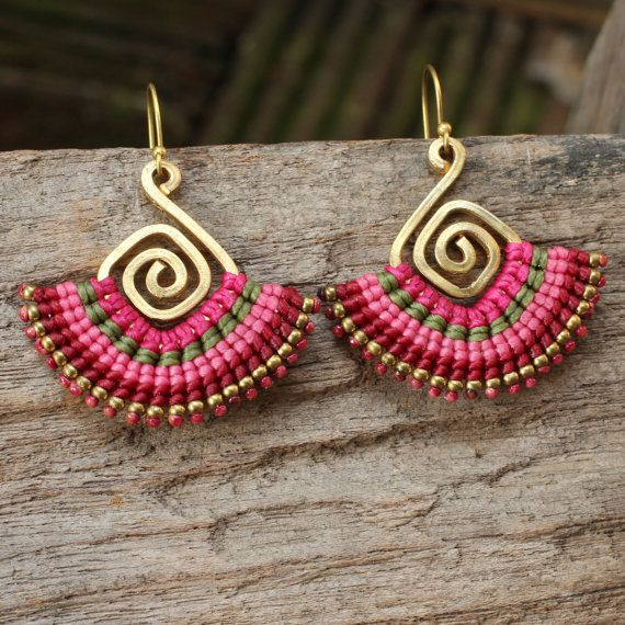 Shaped brass and waxed cotton funky tribal por cafeandshiraz