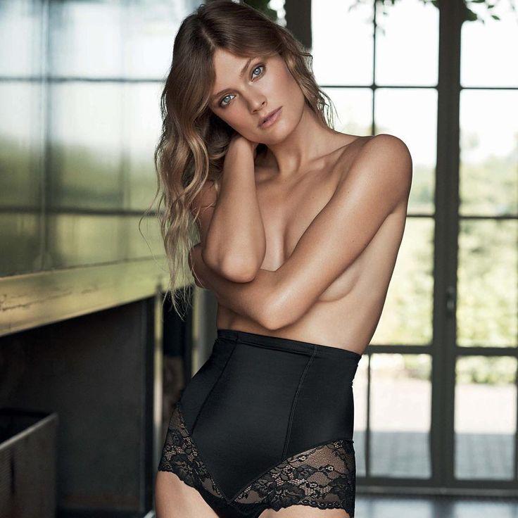 @constancejablonski looks absolutely flawless in this shot for Etam 2017���� Alessandra Ambrosio http://misstagram.com/ipost/1646748913091592601/?code=BbabWlfFcGZ