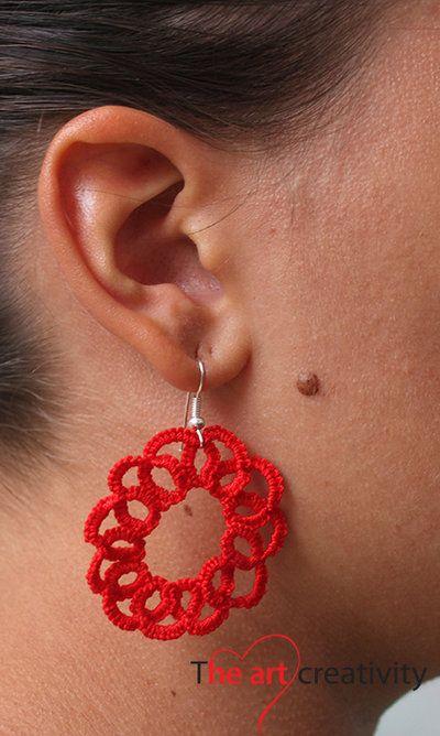 Orecchini a cerchio con  tecnica a chiaccherino. #orecchini #filo #lotrovisuMissHobby #chiaccherino #rosso