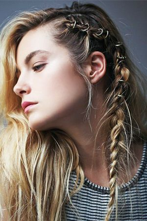 Dealing with greasy, dirty hair? These second day hairstyles will help you cover it up -- and they're cute hairstyles, to boot.