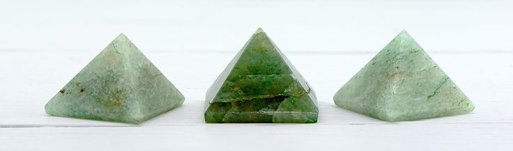 Green Aventurine Pyramid - Stone of Opportunity & Good Luck