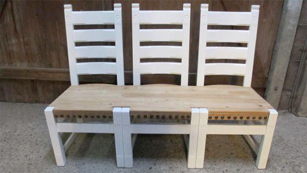 Bankje gemaakt van oude stoelen