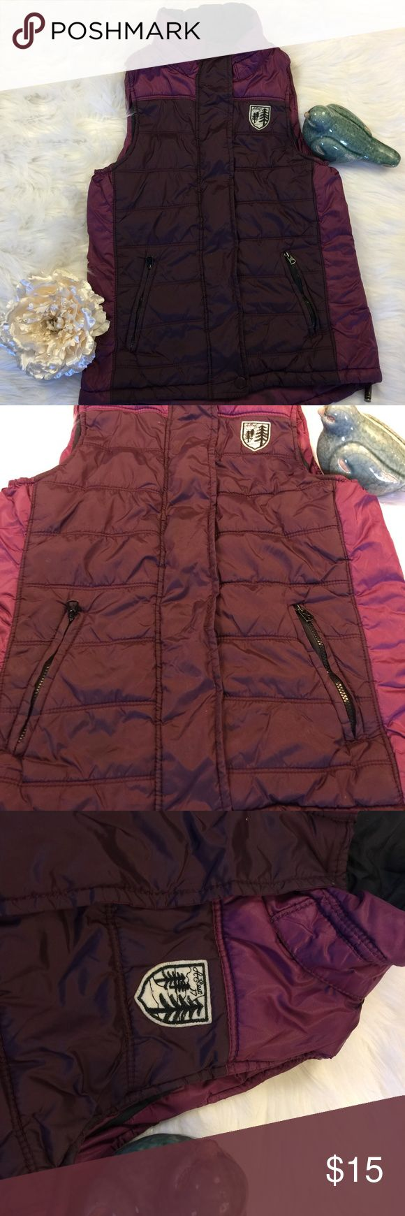 Women's American Eagle Outfitters XS Purple Vest Women's American Eagle Outfitters XS Purple Vest - Women's - Brand: American Eagle -Colors : Multi-Purple - Size : Extra Small - Condition : Excellent - (Hanger hook is worn - please view pictures) - I Ship Daily! American Eagle Outfitters Jackets & Coats Vests