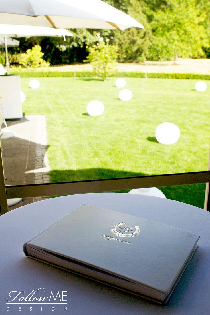 Księga gości / Eleganckie białe dekoracje ślubne od FollowMe DESIGN / Guestbook / Elegant White Wedding Decorations & Details by FollowMe DESIGN