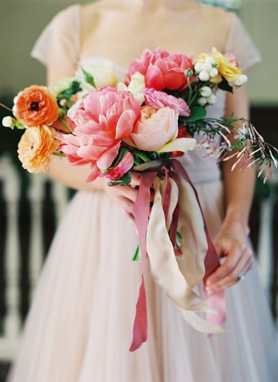Peonies and mums. Amy Osaba.: Shabby Chic Wedding, Bridal Bouquets, Beautiful Blushes, Wedding Bouquets, Wedding Flowers, Big Flowers, Bouquets Flowers, Bridesmaid Bouquets, Southern Wedding Magazines