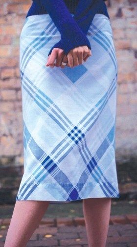 Hummmm a skirt out of a pillowcase? & 107 best Skirts images on Pinterest | Puffy skirt Sew and Sewing ... pillowsntoast.com