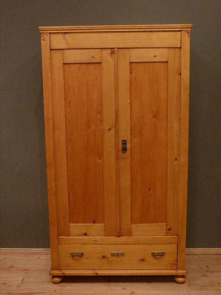 schlichter jugendstil kleiderschrank fichte um 1910. Black Bedroom Furniture Sets. Home Design Ideas