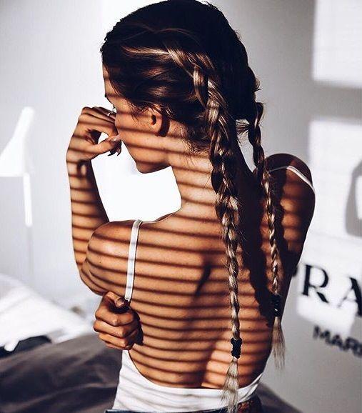 peinados femeninos al más puro estilo street : brutales trenzas de raíz doble