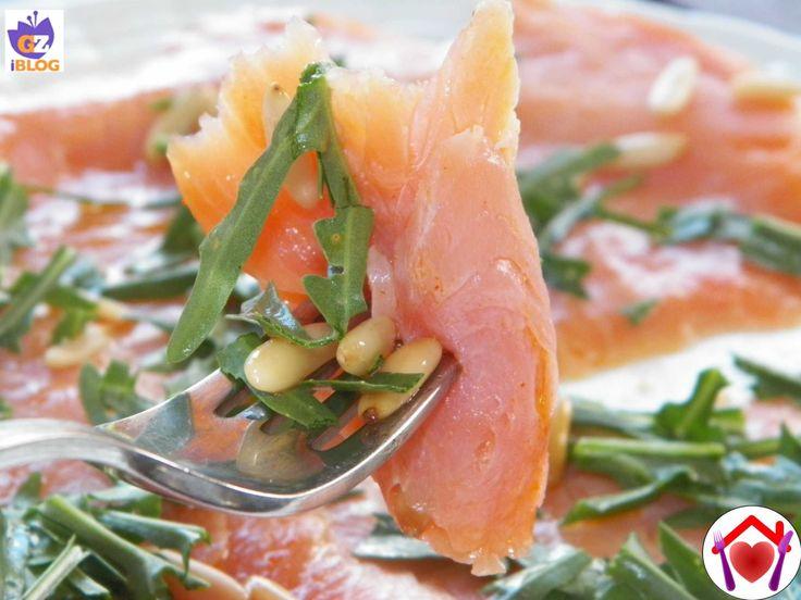 Il piatto preferito da mio marito: carpaccio di salmone affumicato.
