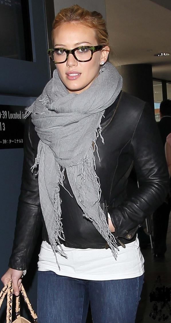 Jacket - Doma Purse - Fendi Scarf - Love Quotes Similar jacket More Doma... Similar scarf More Hilary Duff... More Love Quotes...